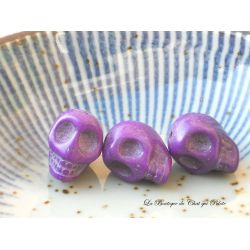 DESTOCKAGE - Lot de 3 perles crânes en howlite violet 13 x 10 mm