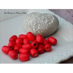 DESTOCKAGE - 20 perles en bois rouge 16 x 14 mm